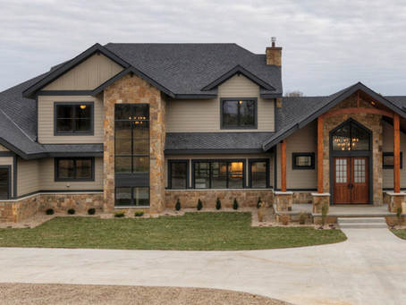 Rustic Mountain Home in Waukee, Iowa