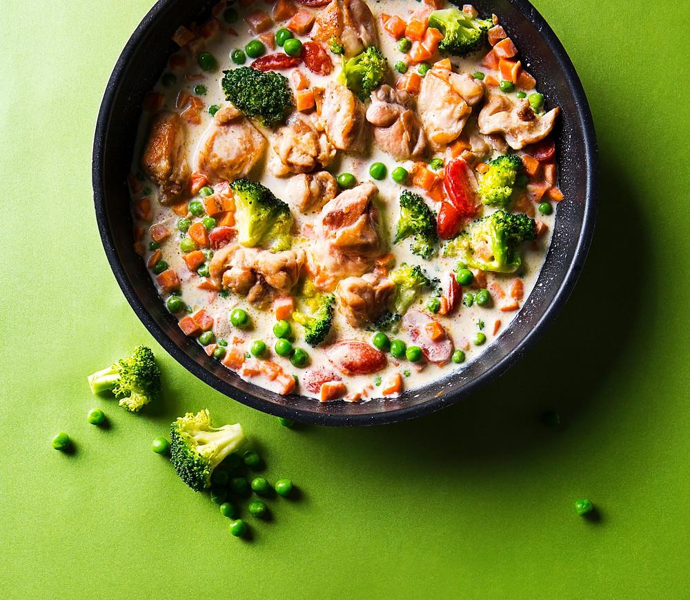Triušienos troškinys su brokoliais ir žirneliais, receptas pietums, pietų idėja, Alfo receptai, Alfas Ivanauskas