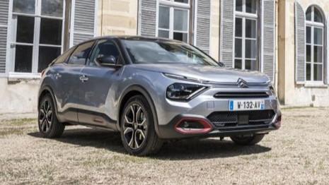 Comparatif : La nouvelle Citroën C4 affronte le Renault Arkana