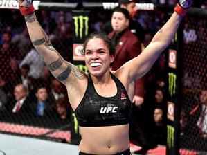 Amanda Nunes  defende o cinturão peso-pena e faz história no UFC