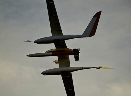 Drone lanceur de fusée