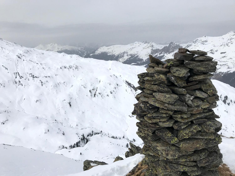 Steinmanderl statt Gipfelkreuz, Regenfeldjoch Langer Grund