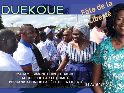 DUEKOUE : SIMONE EHIVET GBAGBO ACCUEILLIE PAR LE COMITÉ D'ORGANISATION DE LA FÊTE DE LA LIBERTE