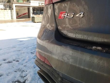 La nuova Audi RS4 provata da un motociclista: ecco come va!