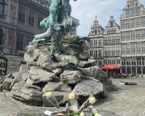@Gouverneur Berx: Free Antwerp!