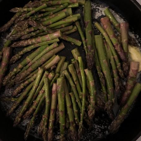 Fokhagymás vajas spárga / Garlicky Asparagus in Butter