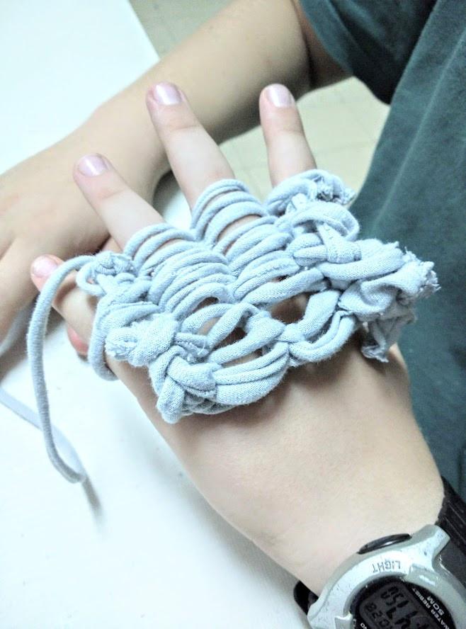 Teaching finger knitting