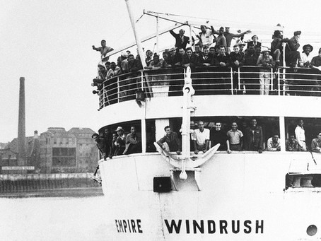 """O NAVIO EMPIRE WINDRUSH E O CALYPSO DE LORD KITCHENER a música e a""""chegada"""" do racismo na Inglaterra"""