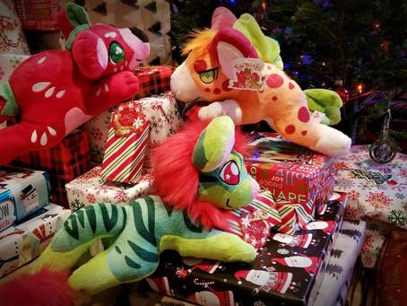 """Santa """"bears"""" gifts!!"""