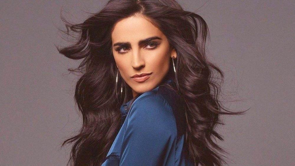 Bárbara de Regil close up.