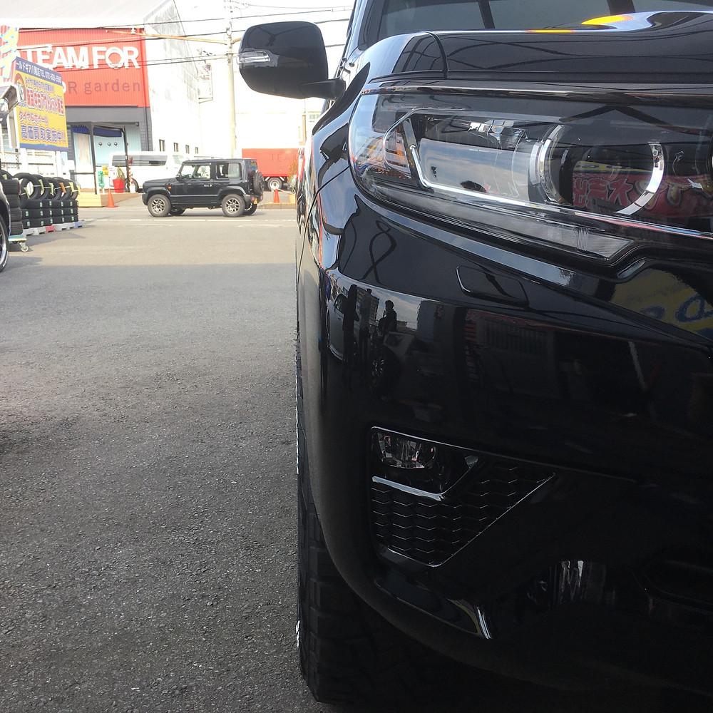 ランドクルーザープラド 150系 FUEL タクティク 18インチ 9J トーヨータイヤ オープンカントリー RT ホワイトレター SUV