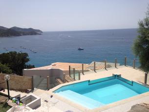 Roof Pool  Abroad Overlooking the Ocean