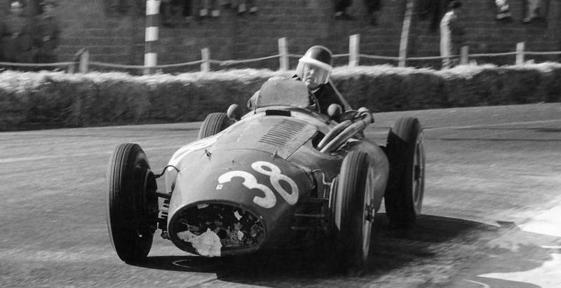 #41 GP di Spagna 1954, Mike Hawthorn trionfa con la Ferrari, debutto della Lancia con Ascari