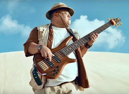 Do Rock in Rio a Jumanji, baixista que 'groovou' forró se desdobra para viver da música