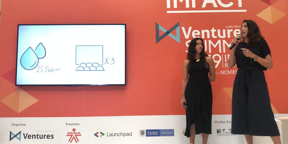Presentación de Madre Tierra en el escenario de Latin American Ventures Summit 2019.