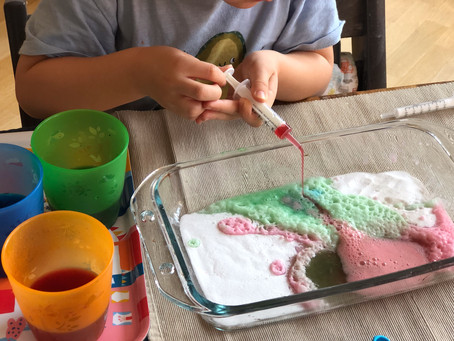 How to Make a Fizzy Color Tray for all Ages