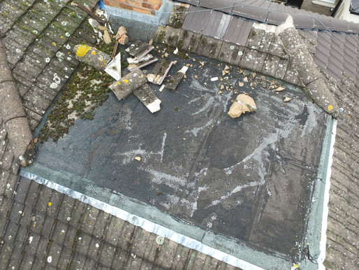 Builder leaves a mess on the roof
