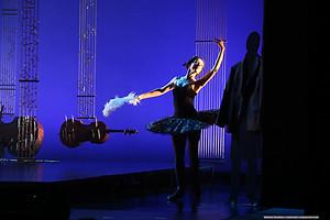 Юлия Винникова в спектакле «Онегин-блюз»