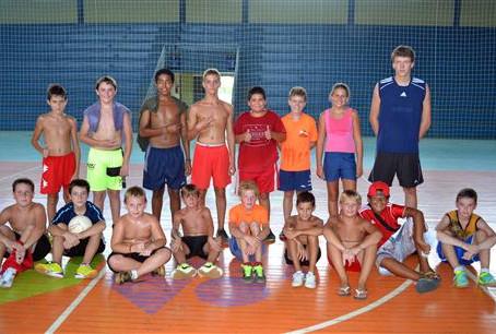Projeto oferece esporte e lazer a crianças e adolescentes no período de recesso escolar