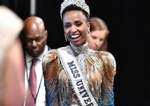Zozibini Tunzi : Une Miss Univers qui se démarque