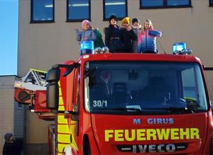 Besuch der 3.Klassen bei der Feuerwehr