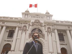 COLUMNAS | Carlos Escaffi [La Tercera]: Vizcarra... crónica de una renuncia o vacancia anunciada