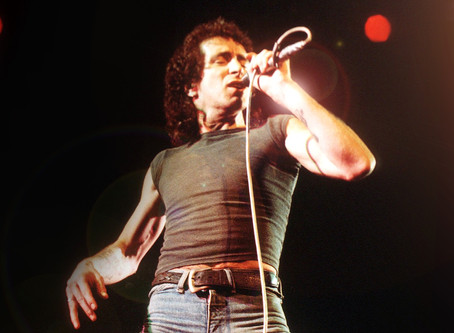 AC/DC - Highway to Hell (Bon Scott)