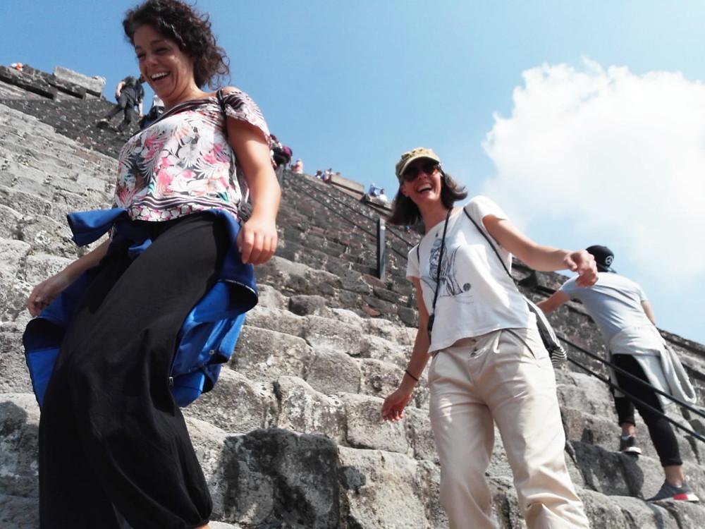 Discesa dalla Piramide del Sole, Teothiuacan