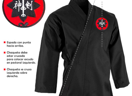 Aplicación correcta del escudo en uniforme