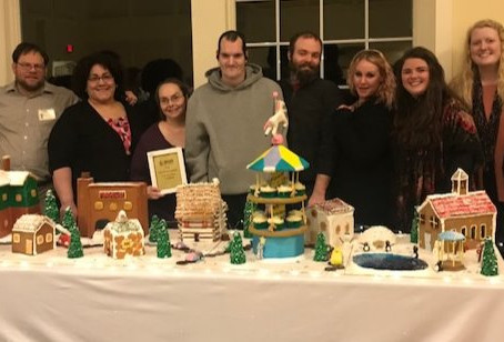 Icing on the cake: Clubhouse cupcakes win at fundraiser