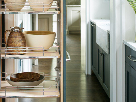 CABINET PULL-OUT ORGANIZER