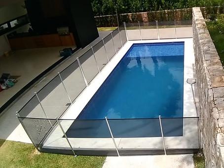 As melhores cercas removíveis para piscinas