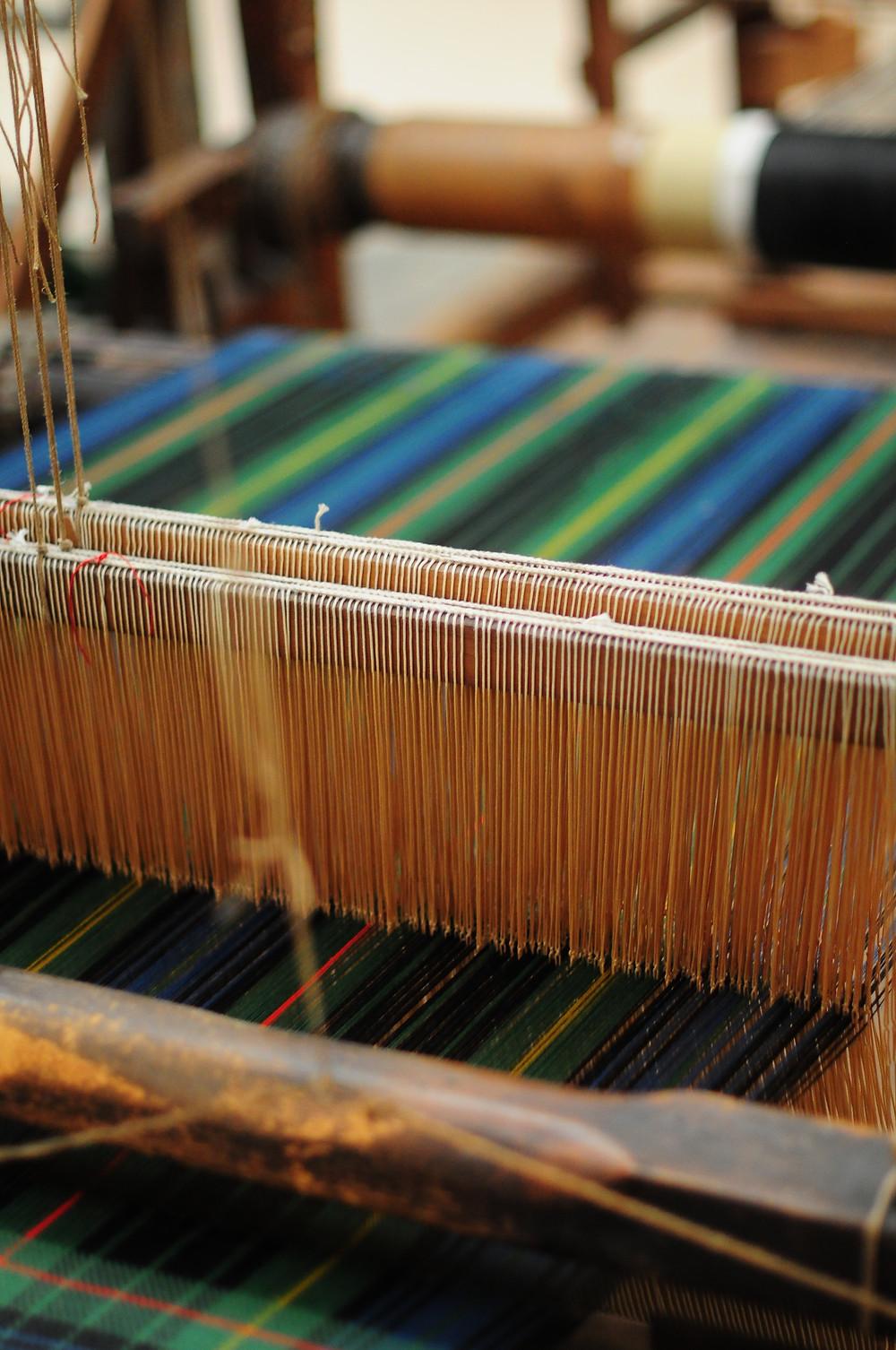 Tartan weaving machine