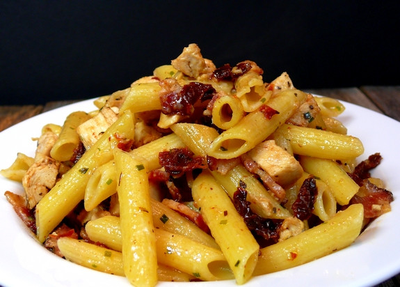 Chicken and Sun-Dried Tomato Penne Pasta