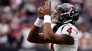 Deshaun Watson Accepts New Contract Extension