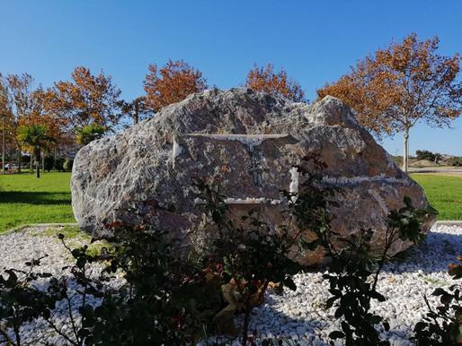 Acto vandálico contra el monolito que recuerda a los nueve aguileños víctimas del Holocausto