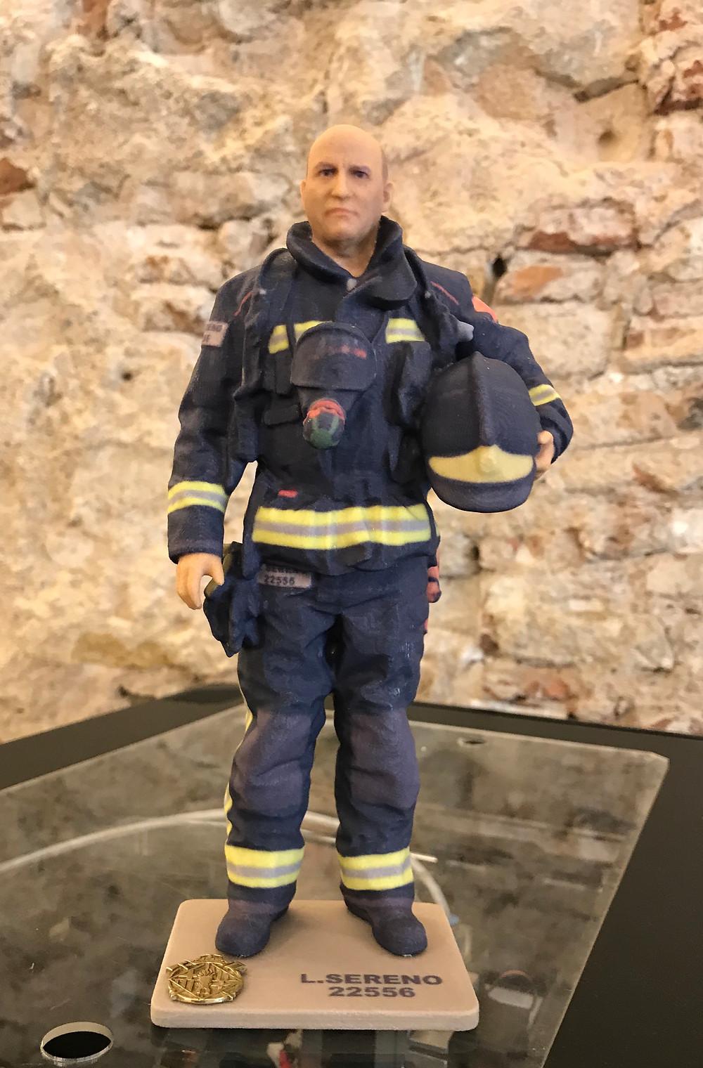 Figura en 3D de bombero en su Jubilación