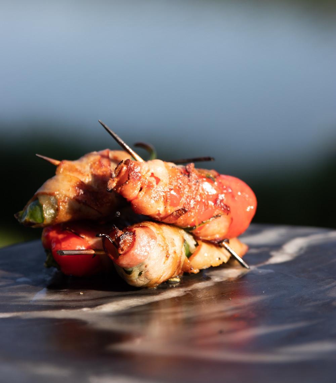feta įdaryti pipirai su šonine ir šalavijais, Alfo receptai, grilio patiekalai