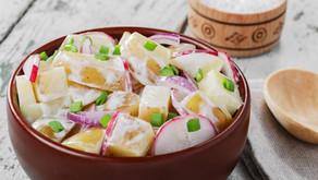 Letní verze zdravého bramborového salátu