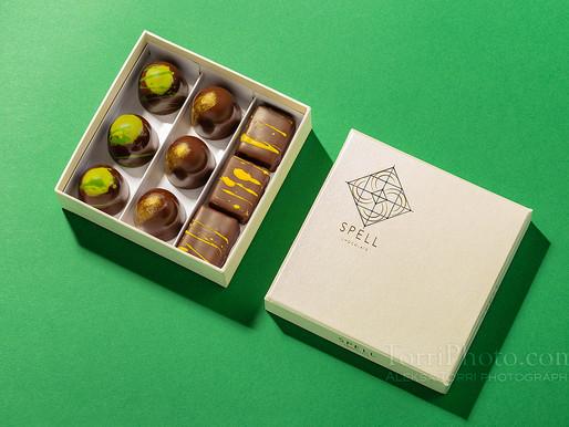 Backstage - фотосьемка шоколадных конфет. 3 источника света