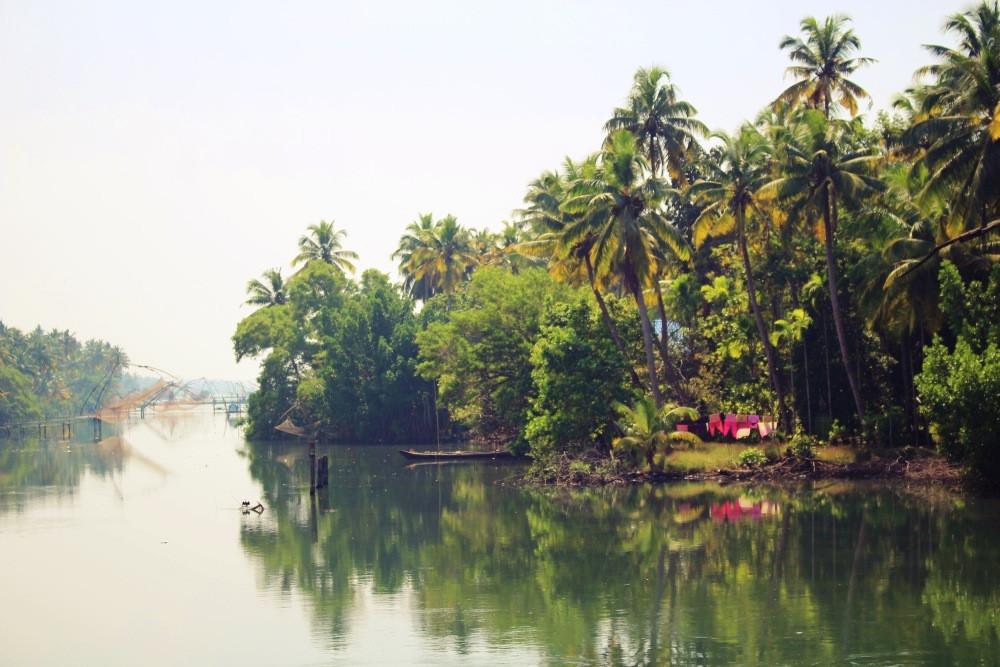 bateau cherai beach Kerala Inde