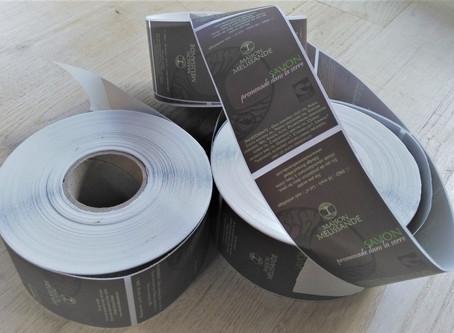 Des étiquettes écologiques pour réduire l'impact des emballages.