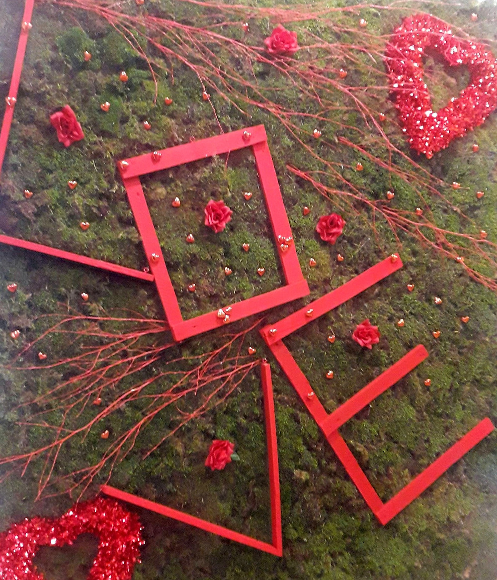 Επισκεφτείτε το ανθοπωλείο της Κατερίνα Μίχα, στη Νέα Μάκρη για να πάρετε μερικές ιδέες!/ moss art