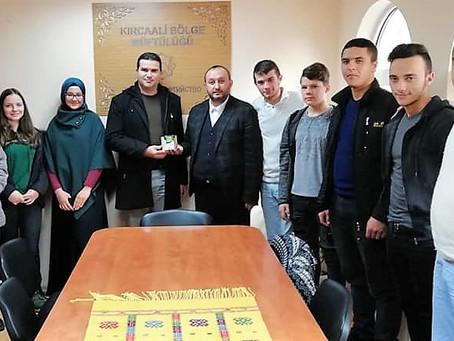 Учениците направиха дарение за сираци
