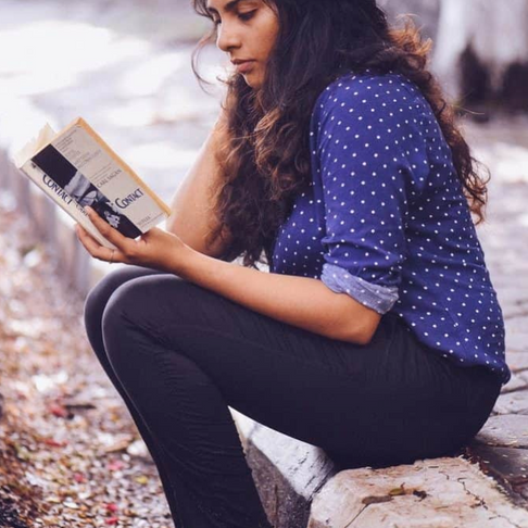 10 Benefits Of Reading and Why You Should Do It Daily