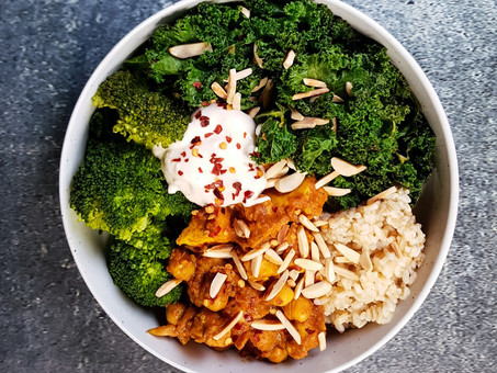 Chana makhani (no butter, no chicken, chickpeas and tofu)