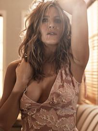 Naked Truth About Celebrity Jennifer Aniston