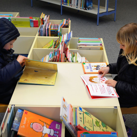 Entenda as diferenças de alfabetização e letramento e como aplicá-las no ambiente escolar