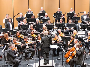 Picture of Symphony on the Bay in performance at the Burlington Performing Arts Cenre
