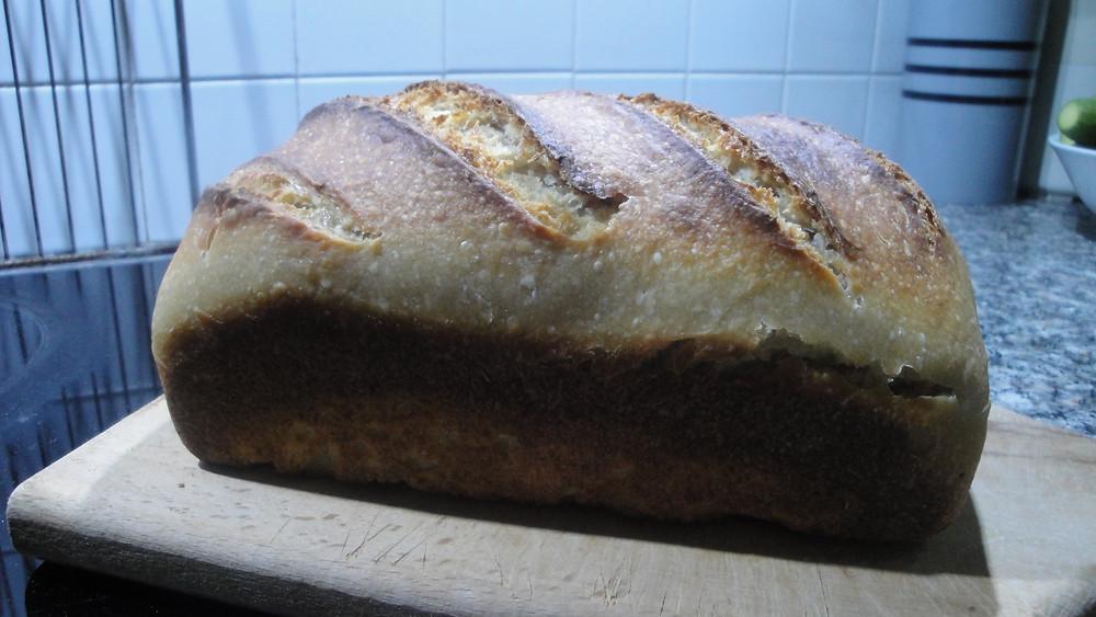 Ψωμί για τοστ με προζύμι.